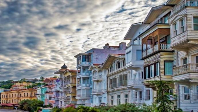 """مجلة سياحية عالمية تدرج حي """"بشيكتاش"""" في إسطنبول بين أروع المناطق في العالم"""