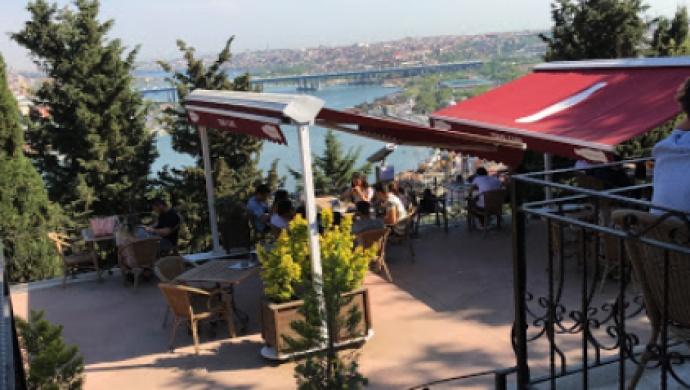 مقهى ومطعم Aziyade